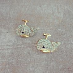 whale studs<3