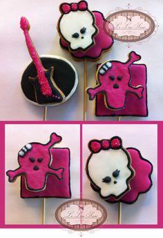 Bolachas personalizadas! Por Giselle Minella  Tema Monster High Sabores sugeridos: Baunilha, chocolate, ovomaltine, canela, nozes e morango. Encomende pelo blog: www.lelieusucre.com.br