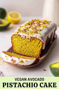 Vegan Pistachio Lemon Avocado Cake Vegan Pistachio Cake, Vegan Lemon Cake, Healthy Vegan Desserts, Delicious Vegan Recipes, Vegan Foods, Healthy Meals, Vegetarian Recipes, Easy Vegan Cake Recipe, Cake Recipes