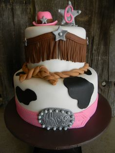 Mckinnah and nevaehs cowgirl cake idea Cowgirl Cakes, Western Cakes, Cowgirl Birthday, Cowgirl Party, Fancy Cakes, Cute Cakes, Farm Cake, Horse Cake, Shower Cakes