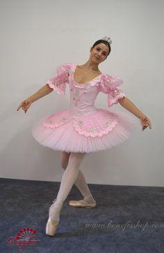 Ballerina Costume, Ballet Costumes, Dance Costumes, Dance Ballet, Ballet Tutu, Dance Outfits, Cute Outfits, Ballet Pictures, Little Ballerina