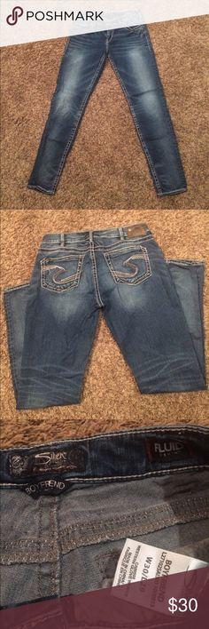 Silver boyfriend skinny jeans. Sz 30x29. Silver boyfriend skinnies. Super cute and perfect condition, size 30x29. Silver Jeans Jeans Boyfriend