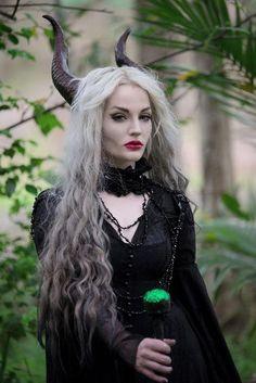 costume pour Réveillon 2016 ou Halloween en créature maléfique