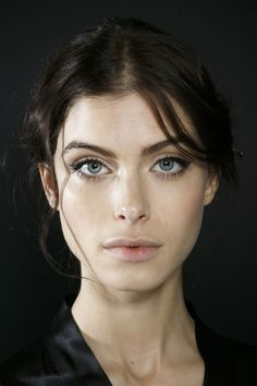 Dolce & Gabbana at Milan Fall 2014 (Backstage) # Beauty model Dolce & Gabbana at Milan Fashion Week Fall 2014 Gorgeous Eyes, Beautiful Models, Most Beautiful Faces, Female Character Inspiration, Face Photography, Model Face, Interesting Faces, Portrait Inspiration, Photo Reference