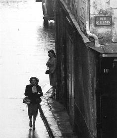 Rue Saint-Denis Paris 1953 Photo: Robert Doisneau