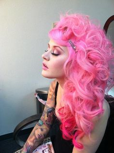 This is crazy cool, reminds me of Nikki Minaj and Kat Von D at the same time.