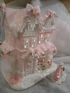 Make using she's shabby-pink-victorian-christmas-lighted-village-large-house-chic-roses-glitter Shabby Chic Christmas, Victorian Christmas, Vintage Christmas, Victorian Crafts, Rose Shabby Chic, Shabby Chic Crafts, Noel Christmas, Christmas Lights, Christmas Crafts