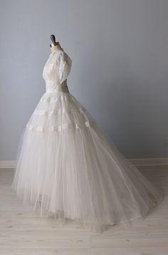 1950s Wedding Dress / 1950s Lace Wedding by TheVintageMistress