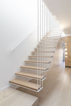 Birchgrove House by PASSER Architects - Modern Interiors House Design - The Local Project Interior Stairs, Home Interior Design, Interior Architecture, Staircase Design Modern, Escalier Design, House Staircase, Stairs In Living Room, Open Stairs, Floating Staircase