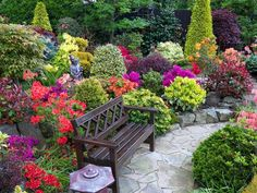 Can you imagine drinking your morning coffee in one of this beauty garden or lighting a fire in the cold nights? Don& imagines make your first step Beautiful Home Gardens, Beautiful Flowers Garden, Amazing Gardens, Southern Landscaping, Backyard Landscaping, Backyard Ponds, Small Gardens, Outdoor Gardens, Deer Garden