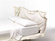BIG HUG by Mogg / This is an upholstered bed, moldable bed as if it were clay. You decide its shape! / Design by Claudio Bitetti /   www.mogg.it  #mogg #moggdesign #BigHug #ClaudioBitetti #Bed #Letto #ComeVuoiTu #Interior #Design #InteriorDesign #ItalianFurniture #Italian #Furniture