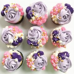 Floral Cupcakes @sweetindulgences8 used tip 2D, 4B, 32 and 18