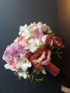 roses hydrangea peonies fresia #madewithjoy #paulamoldovan #livadacuvisini