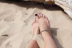 PRETTY FEET IN UNDER ONE HOUR. Find out how Aspirin can rescue dry, cracked heels better than most over the counter treatments!