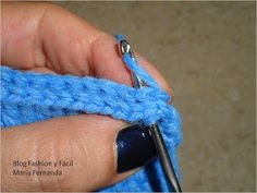 Fashion y Fácil DIY: Cómo tejer slippers, pantuflas o babuchas fáciles, a ganchillo paso a paso. (How to make easy crochet slippers? Step by step) Bracelets, Jewelry, Easy, Fashion, Sock Loom, Slippers Crochet, How To Knit, Crochet Boots, Moda