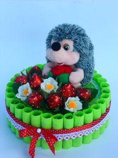 Gallery.ru / Фото #57 - Сладкие подарки - olga1206 Chocolate Flowers Bouquet, Candy Arrangements, Kid Picks, Diy Gift Baskets, Diy Crafts For Gifts, Candy Bouquet, Hostess Gifts, Cool Gifts, Sweet