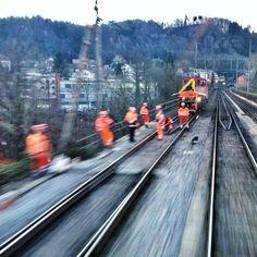 Repairing a broken rail in Wettingen.