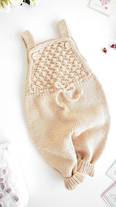 Baby Overalls, Baby Jumpsuit, Knitted Baby Clothes, Knitted Romper, Baby Knits, Romper Pattern, Jumpsuit Pattern, Crochet Pattern, Free Pattern