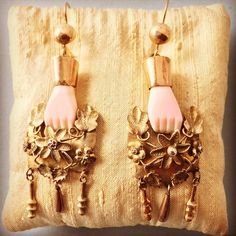 #tailoftheyak Rare coral or conch and gold earrings from Puebla 19th century