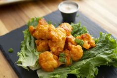 Buffalo Cauliflower Wings - Everyone deserves to snack on something tasty on Super Bowl Sunday, even if they don't eat meat or dairy. Soft and tender on the inside and crispy on the outside these cauliflower buffalo Vegetarian Cooking, Easy Cooking, Vegetarian Recipes, Cooking Recipes, Healthy Recipes, Veggie Recipes, Vegan Appetizers, Vegan Snacks, Appetizer Recipes