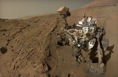 The NASA rover Curiosity, which arrived on Mars in August will reach one year spent on the planet – in local time – on Tuesday, equivalent to 687 Earth days. NASA's main goal for the probe was t Nasa Curiosity Rover, Curiosity Mars, Curiosity Tattoo, Cosmos, Sistema Solar, Sonda Curiosity, Nasa Rover, Red Planet, Mars Planet