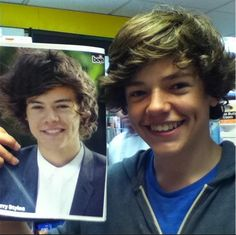 Harry Styles look alike.he looks like harry styles except that harry's nose is smaller.his eyes aren't that dark.his hair is bigger.they're twinsies Celebrity Doppelganger, Celebrity Look, Harry Edward Styles, Harry Styles, Famous Celebrities, Celebs, Actrices Hollywood, Look Alike, One Direction Harry