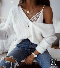 Mode, Mädchen und Stil Bild - Outfit ideen - 24 Dec 2019 Summer 2018 has officially begun and these trendy summer outfits are giving us vibes. From beach casual dresses to high waisted trouser pants, I've got it. Winter Fashion Outfits, Look Fashion, Spring Outfits, Girl Fashion, Street Fashion, Fashion Women, Sweater Fashion, Fashion Fall, Fashion Online
