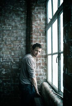 Jeremy Renner, photographed by Sarah Dunn (2014)