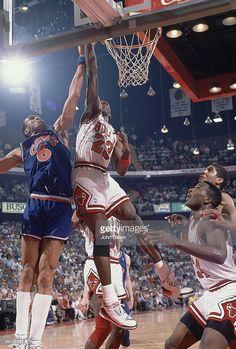 Fotografia de notícias : Chicago Bulls Michael Jordan in action vs...