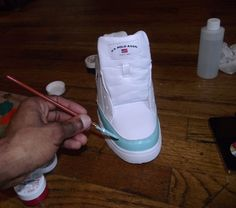 Decorate your own sneakers! Wonder how many shopping hours I would have saved trying to find the perfect pair of shoes for my teenagers?