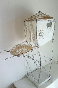 I wish I knew who created this. Textiles, Wire Art, Art Plastique, Installation Art, Textile Art, New Art, Sculpture Art, Paper Art, Creations
