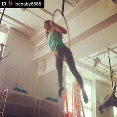 Omg I made up a trick! Sideways Mill Circles! Working on these in a sequence for Level 3 today!! Mondays, Body and Pole at 6pm #bodyandpole #lyra #lira #aerial #ae
