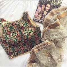 Introducing the MKJ {brocade} [CANDY] Tops w/Zipper Detail in BLACK Pieces are… Saree Blouse Designs, Sari Blouse, Blouse Patterns, Indian Blouse, Blouse Styles, Brocade Saree, Silk Sarees, Elegant Saree, Desi Clothes