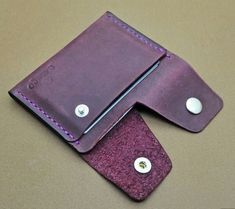 Leather Luggage Tags, Leather Gifts, Leather Bags Handmade, Leather Case, Leather Purses, Leather Wallet, Leather Diy Crafts, Leather Projects, Leather Accessories