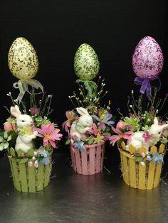 Easter Flower Arrangements, Easter Flowers, Easter Projects, Easter Crafts, Spring Crafts, Holiday Crafts, Easter 2018, Easter Parade, Diy Easter Decorations