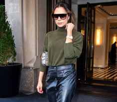 Look Star, Victoria Beckham Style, Knit Leggings, Spice Girls, Girl Day, David Beckham, Meghan Markle, Kate Middleton, Business Women