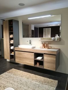 Salle de bain ultra moderne, tons chaleureux grâce aux meubles en bois – Andrea… Ultra modern bathroom, warm tones thanks to the wooden furniture – Andrea Becker – the Rustic Bathroom Vanities, Bathroom Faucets, Bathroom Ideas, Bathroom Organization, Bathroom Storage, Shiplap Bathroom, Concrete Bathroom, Bathroom Grey, Ikea Bathroom