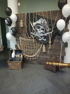 Birthday Party Vintage Theme 69 Ideas For 2019 Pirate Halloween Decorations, Pirate Halloween Party, Decoration Pirate, Pirate Birthday, Halloween Party Decor, Birthday Party Decorations, Halloween 2020, 5th Birthday, Birthday Ideas