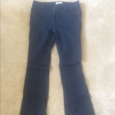 "Loft Modern Dark Wash Flare Denim Jeans Amazingness jeans! Really comfy and great for a variety of occasions. Size 10 regular, fit true to size, maybe run a little large, but nothing crazy. Flare leg, mid rise, dark wash. Lots of stretch. Great length (I am 5'9"" and could wear these with flats comfortably) flattering pocket placement and soft material. Great condition only worn a couple of times. LOFT Jeans Flare & Wide Leg"