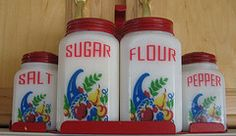 love these vintage canisters Vintage Canisters, Vintage Bottles, Vintage Dishes, Vintage Dishware, Vintage Love, Retro Vintage, Vintage Items, Vintage Stuff, Red Kitchen