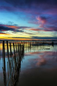 Colours and reflections on 500px by Anto Camacho, PAIPORTA, Spain ☀  1365✱2048px-rating:98.9 ◉ Photo location: Google Maps