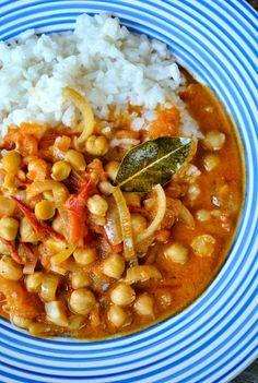 Tomato and chickpea curry with coconut milk  VeganSandra - tasty, cheap and easy vegan recipes by Sandra Vungi