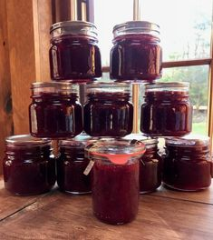 Spiced Christmas Jam - One Hundred Dollars a Month - Food: Veggie tables Jelly Recipes, Jam Recipes, Canning Recipes, Holiday Recipes, Recipies, Christmas Recipes, Drink Recipes, Canning Tips, Christmas Jam