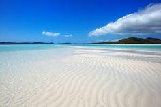 Unglaublicher Strand in Australien, der Whitehaven Beach. Gelegen vor der Ostküste Australiens, auf der Insel Whitsunday, der Whitehaven Beach gilt als einer der weißesten Strände der Welt.