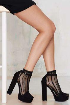 Walk the Line Ankle Socks
