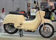 Govecs E-Schwalbe auf der EICMA 2014. Simson Moped, Beast From The East, Motorcycle Types, Design Thinking, Bobber, Cars And Motorcycles, Motorbikes, Cycling, Container Houses