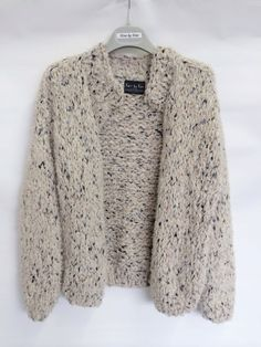 Short spotted cardigan