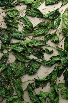 JAPANESE SEASONED SPINACH CHIPS Light and airy Japanese seasoned spinach chips make an excellent afternoon snack.