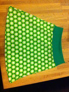 À-lijn rokje van tricot voor een meisje Sewing For Kids, Sewing Ideas, Children, Prints, Baby, Clothes, Dressmaking, Sewing, Young Children