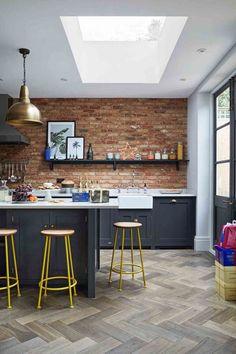 New Kitchen Paint Ideas Yellow Cabinets 35 Ideas Kitchen Cabinets And Backsplash, Kitchen Paint, Kitchen Flooring, Dark Cabinets, Cupboards, Yellow Cabinets, Classic Cabinets, Modern Cabinets, Backsplash Ideas
